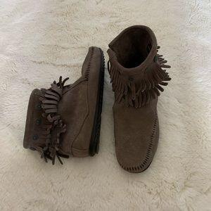 Minnetonka Fringe Booties - Brown/Grey